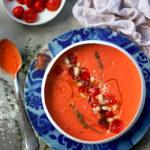 Velouté de tomates rôties au millet et aux haricots blancs